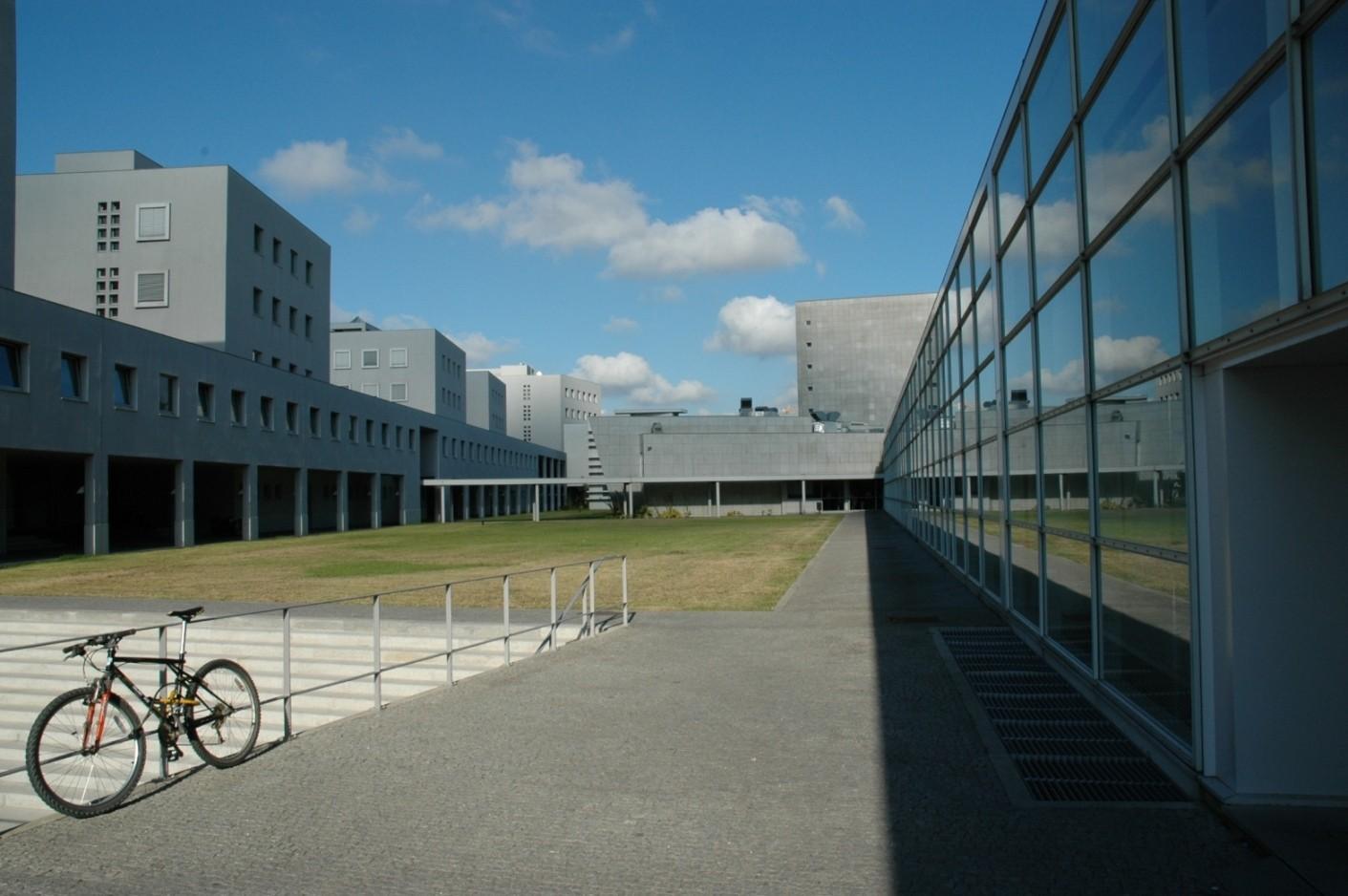 faculdade-de-engenharia-da-universidade-do-porto.jpg