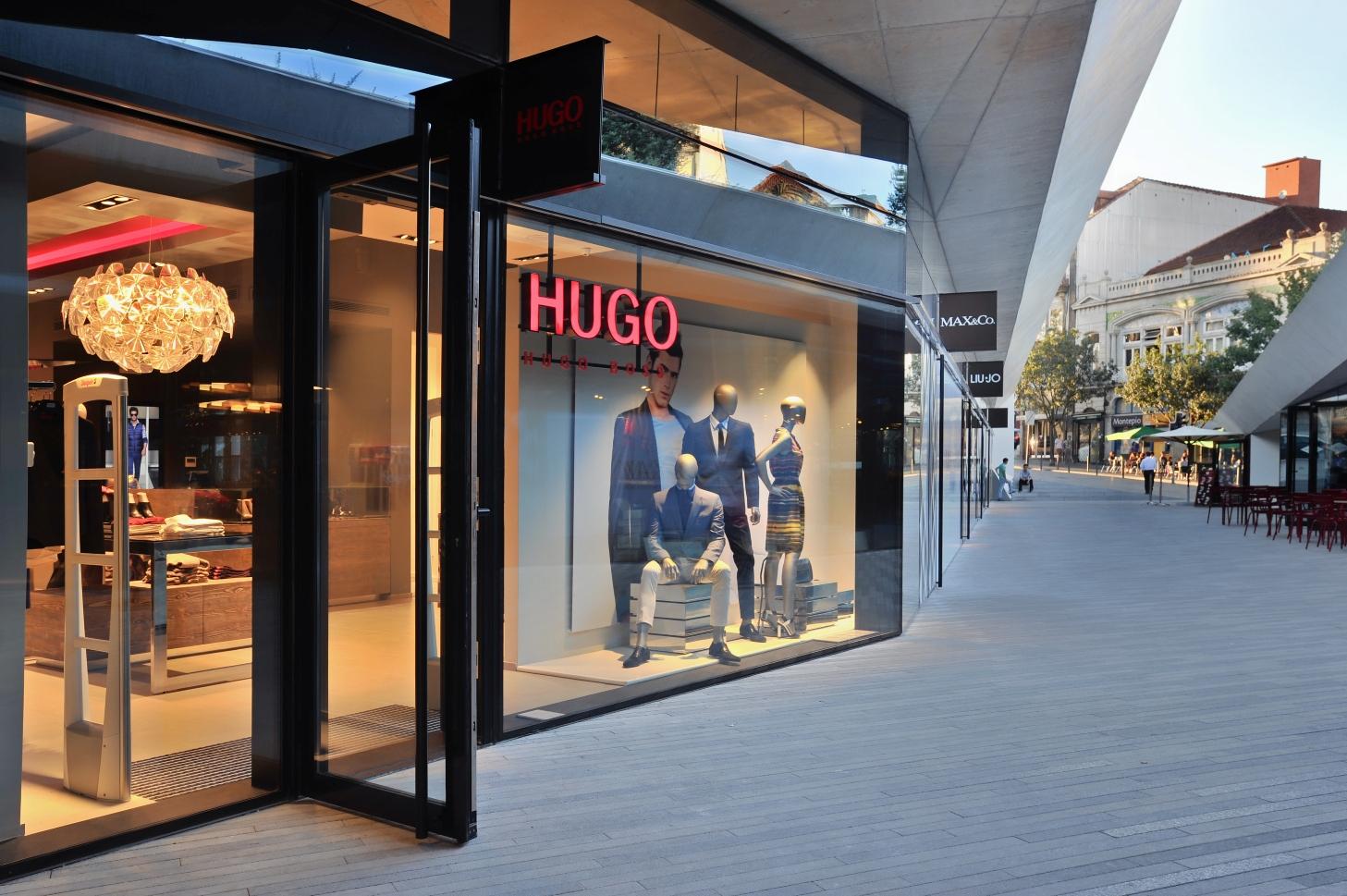 8024a11764e Passeio dos Clérigos recebe nova loja HUGO by Hugo Boss